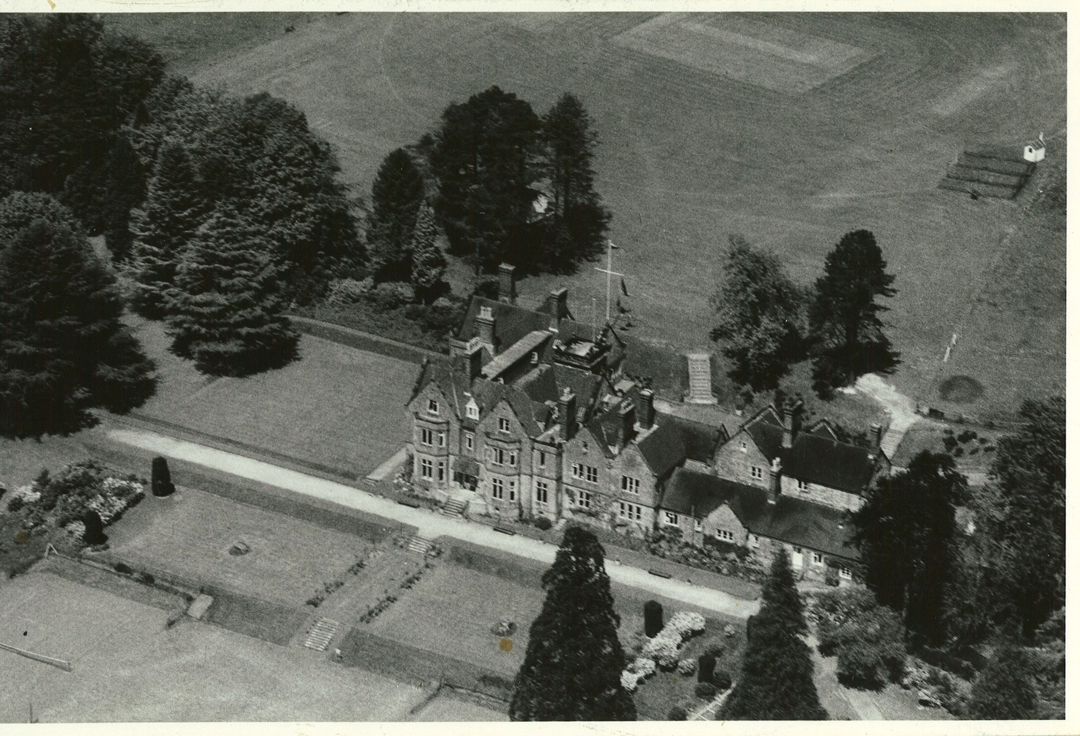 Newells school air photo (1)